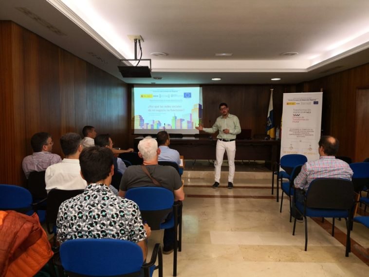 Seminario Redes Sociales Oficina de Transformación Digital